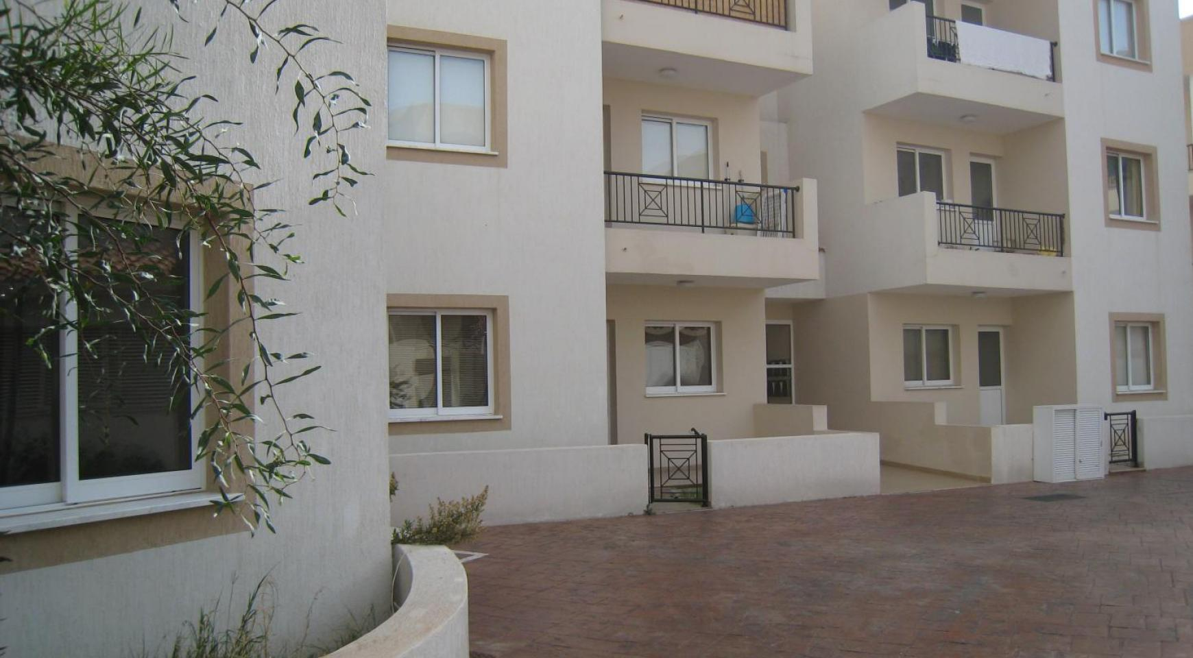 Ground Floor Apartment with Private Garden - 11