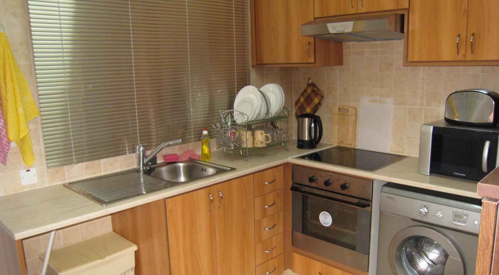 Ground Floor Apartment with Private Garden - 5