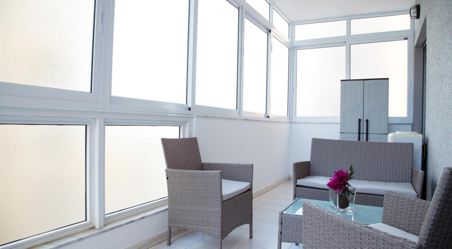 Luxury Fully Renovated 3 Bedroom Apartment on the Seafront - 29