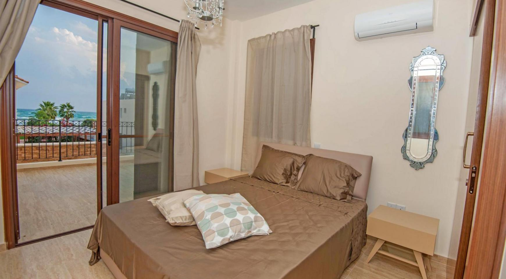 3 Bedroom House on the Seafront of Ayia Thekla - 8