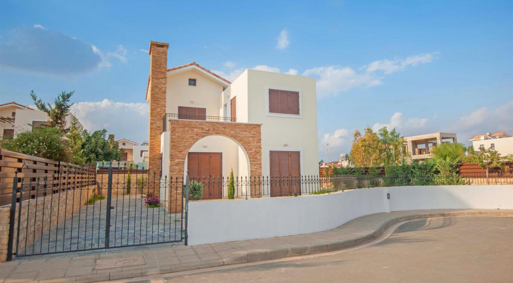 Detached 3 Bedroom Villa on the Seafront of Ayia Thekla - 1