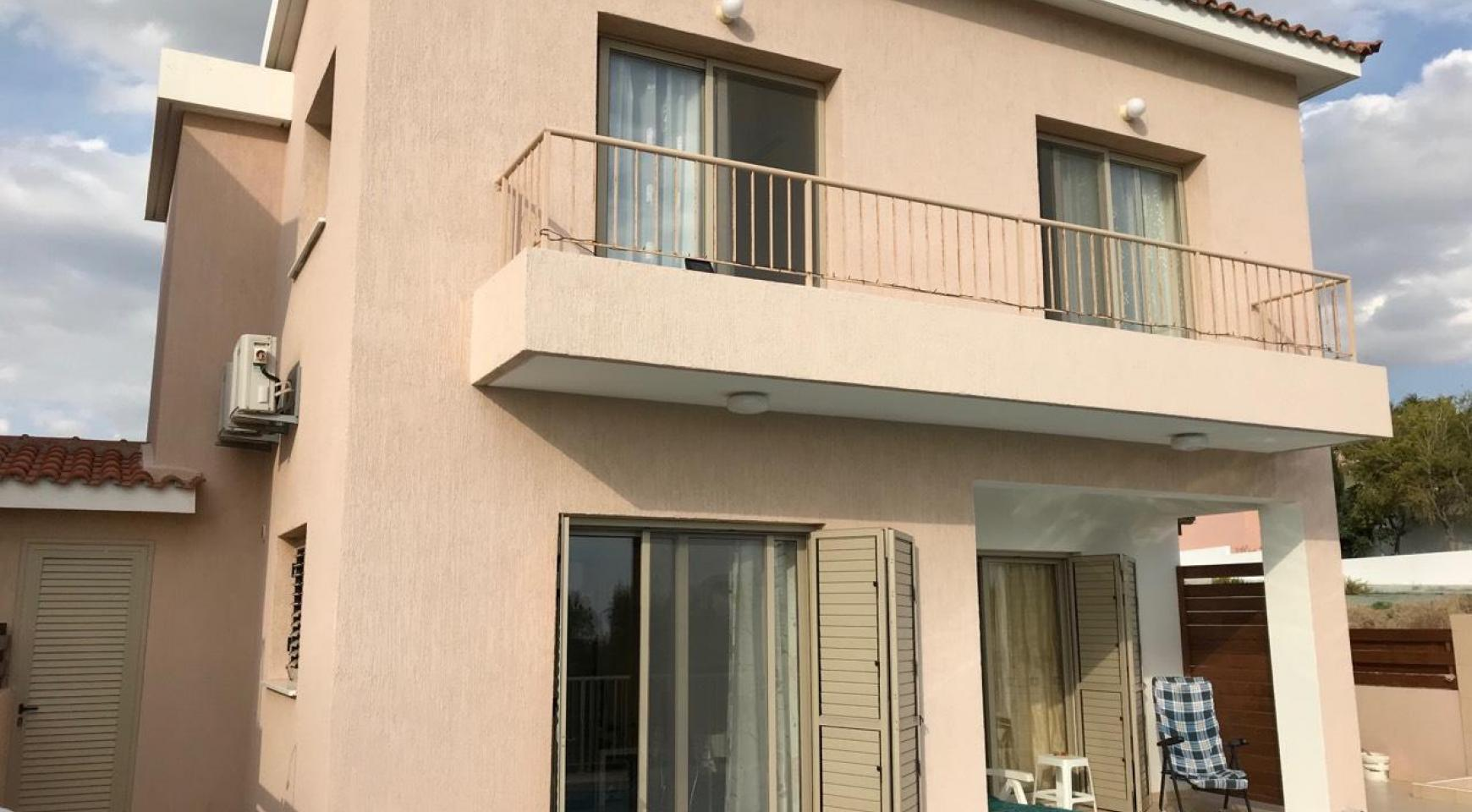 3 Bedroom Semi-Detached House with the Swimming Pool in Erimi Village - 13