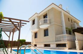 Spacious 4 Bedroom Villa with Stunning Sea and Mountain Views - 30