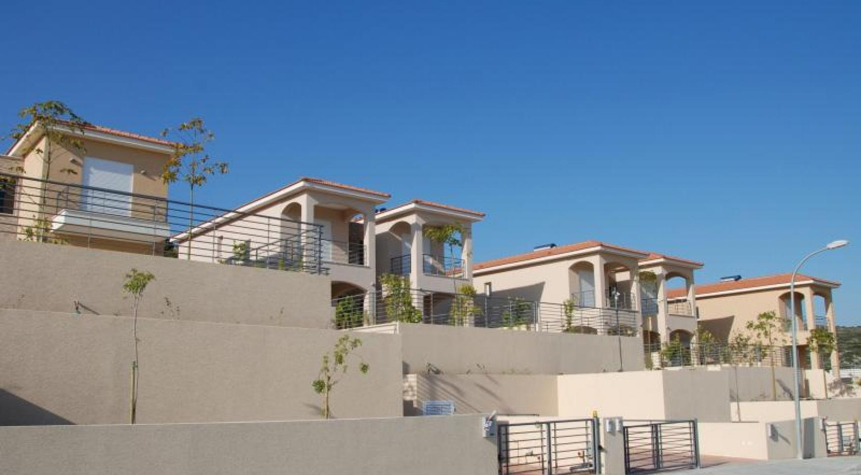 New 3 Bedroom House with Unobstructed Sea Views  - 5