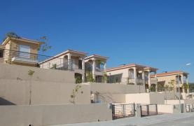 New 3 Bedroom House with Unobstructed Sea Views  - 13