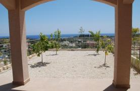 New 3 Bedroom House with Unobstructed Sea Views  - 14