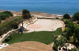 Beautiful Spacious Villa by the Sea in Zygi - 18
