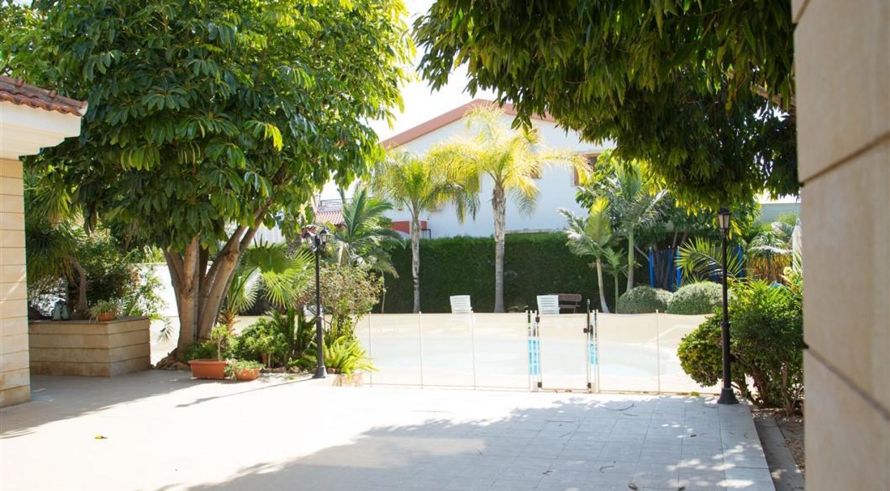 4 Bedroom Villa in Germasogeia Area - 10