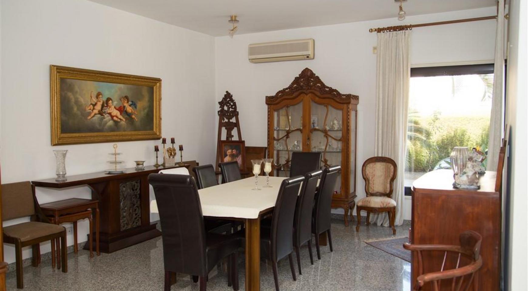 4 Bedroom Villa in Germasogeia Area - 15