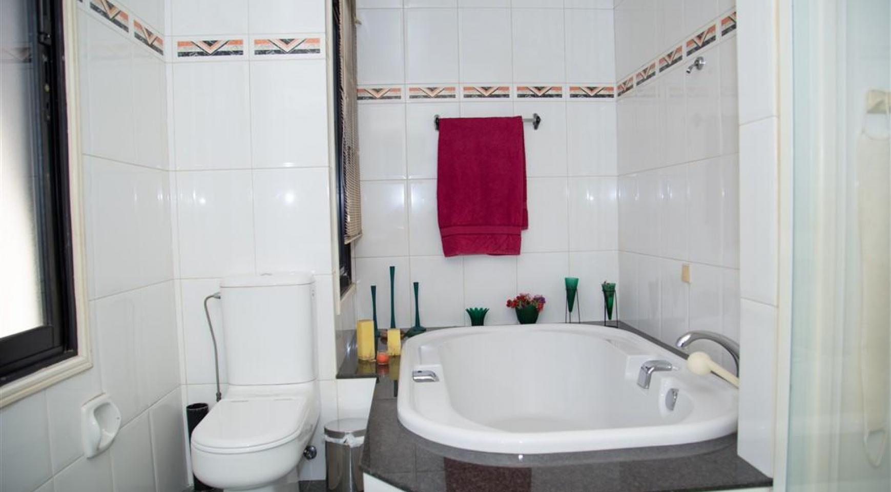 4 Bedroom Villa in Germasogeia Area - 27