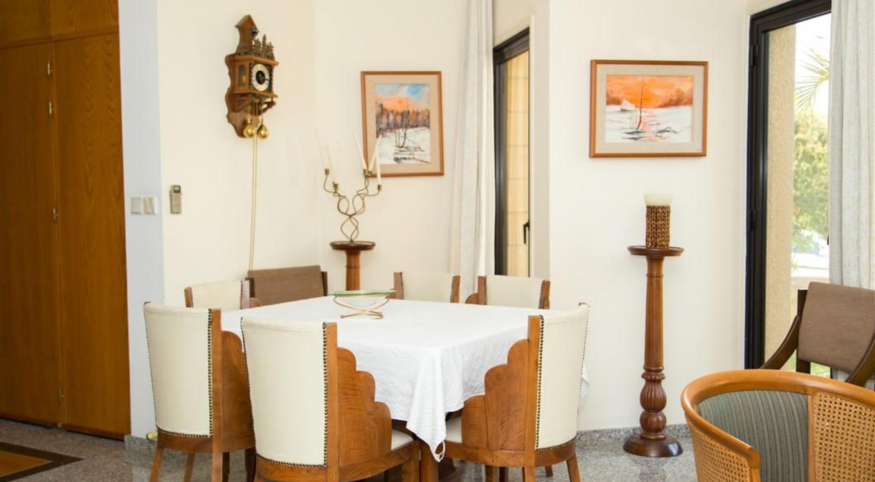 4 Bedroom Villa in Germasogeia Area - 14