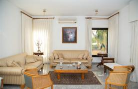 4 Bedroom Villa in Germasogeia Area - 40