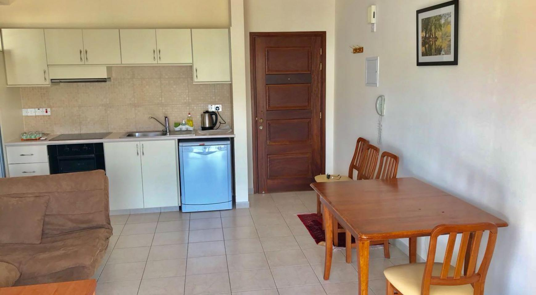 Spacious One Bedroom Apartment by the Sea - 7