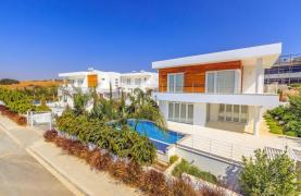 Contemporary 4 Bedroom Villa with Sea Views in Agios Tychonas - 16