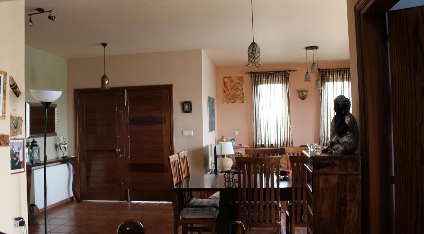 Spacious 5 Bedroom House in Agios Athanasios Area - 4