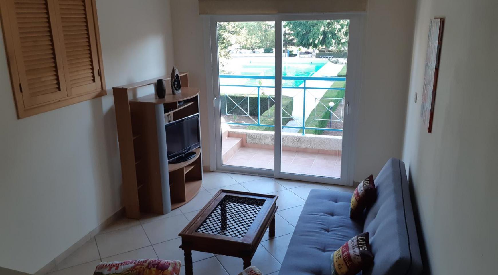 Cozy One Bedroom Maisonette near the Beach - 3