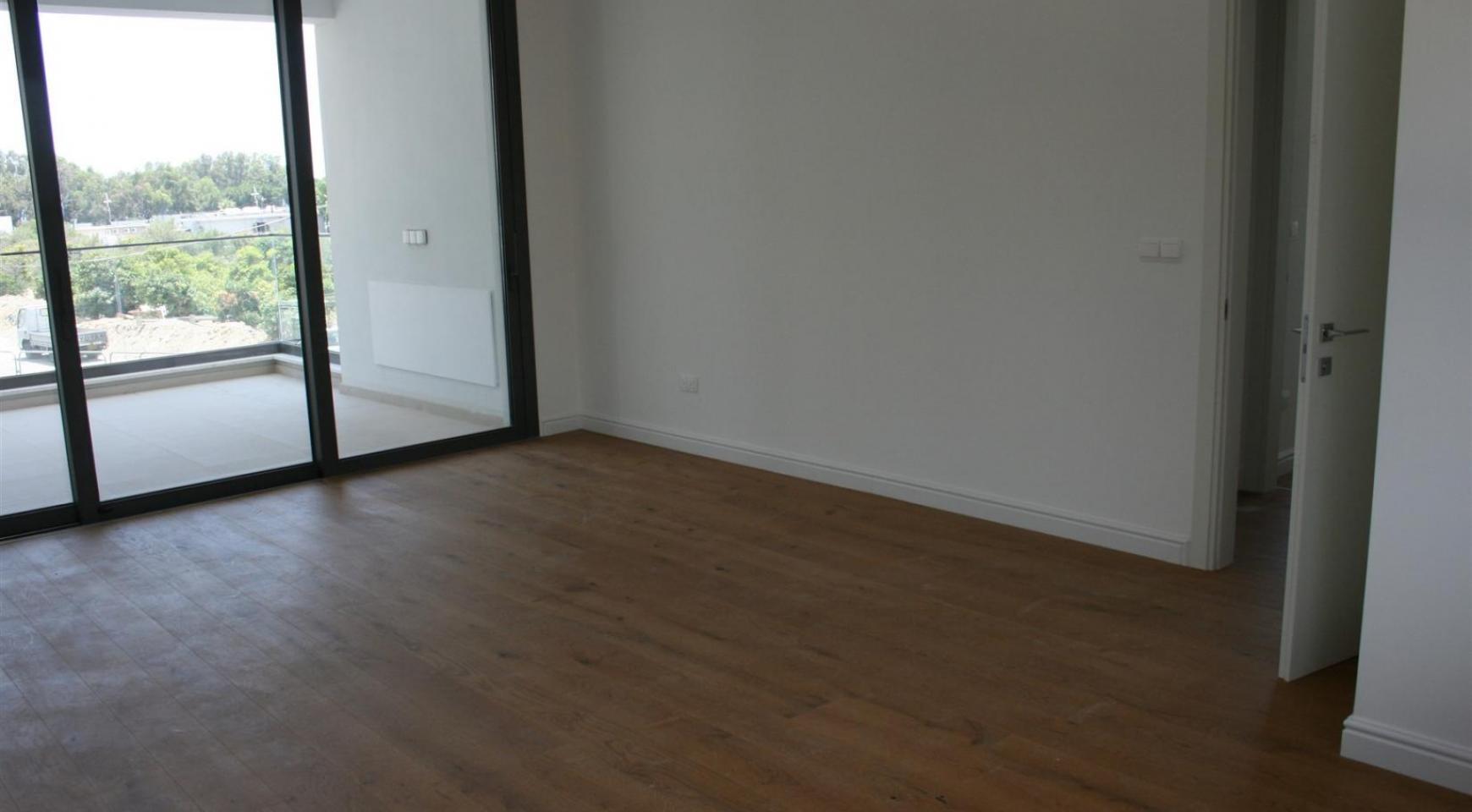 New Modern 3 Bedroom Apartment near the Sea - 31