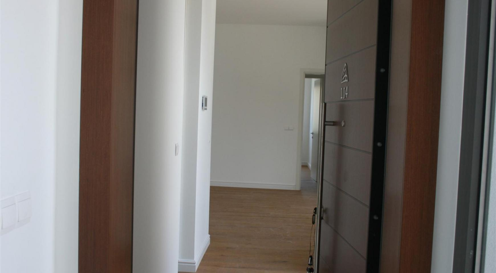 New Modern 3 Bedroom Apartment near the Sea - 12