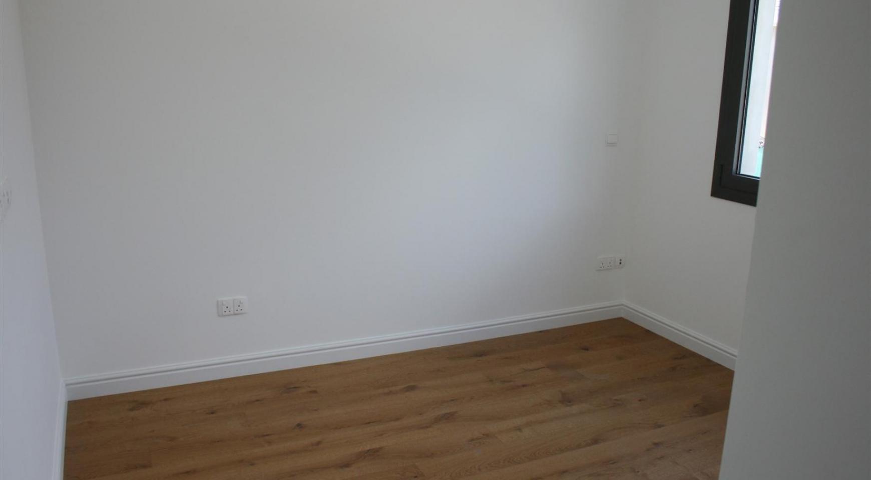 New Modern 3 Bedroom Apartment near the Sea - 39