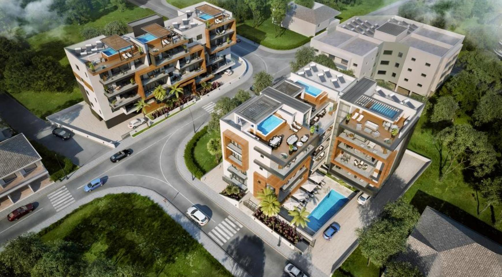 New Modern 3 Bedroom Apartment near the Sea - 10