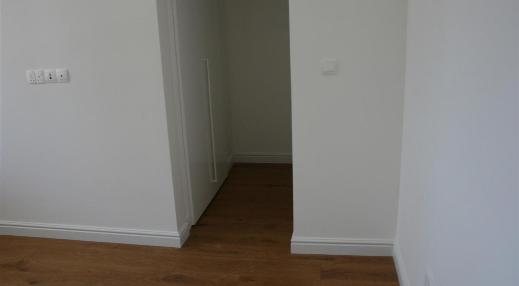 New Modern 3 Bedroom Apartment near the Sea - 48