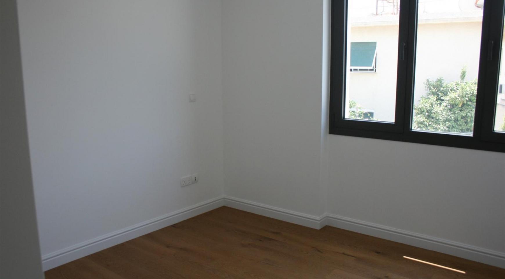 New Modern 3 Bedroom Apartment near the Sea - 44