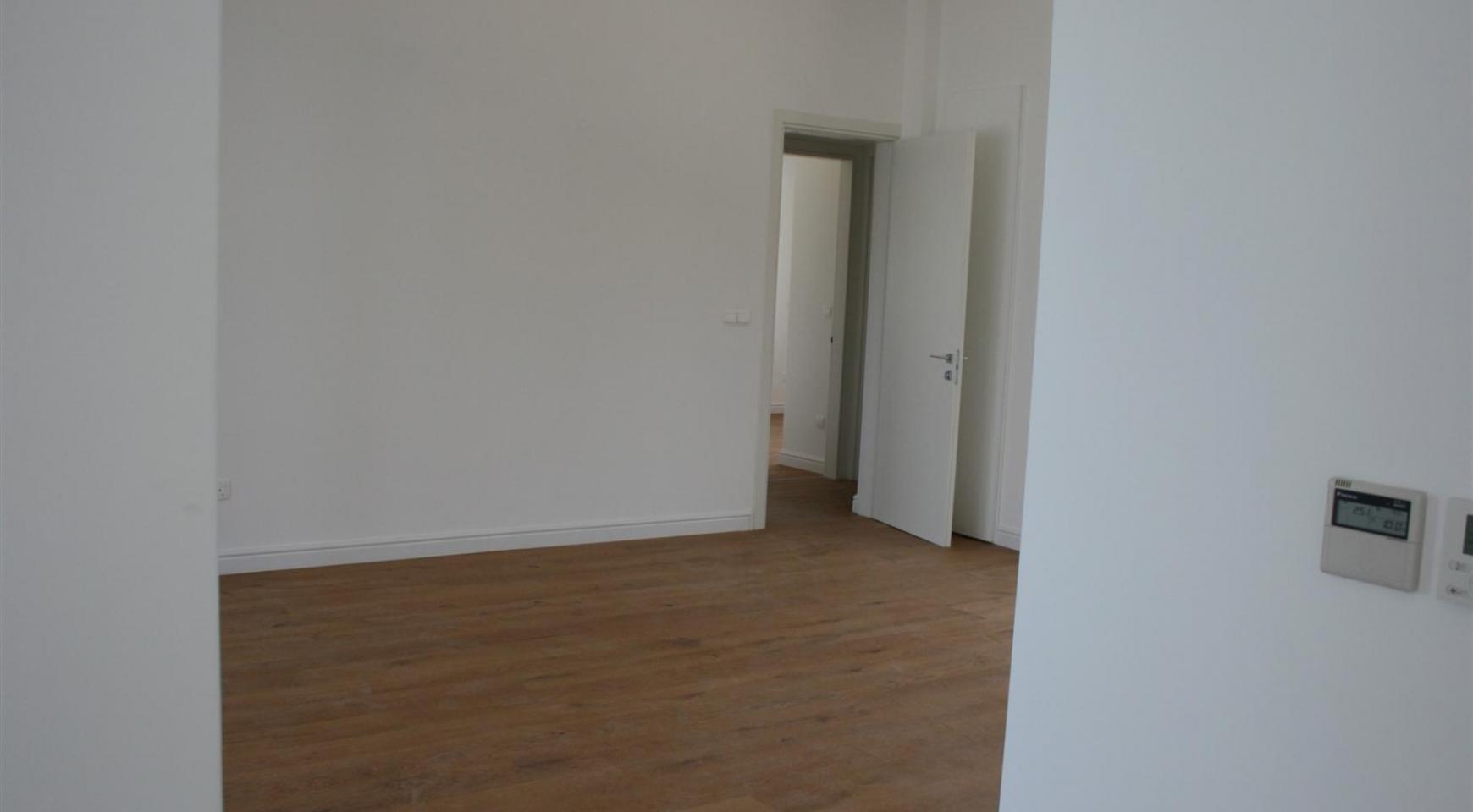 New Modern 3 Bedroom Apartment near the Sea - 28