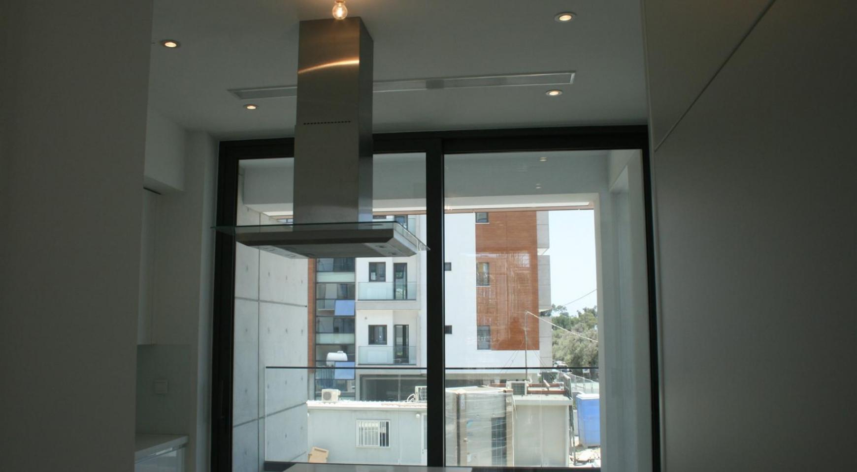 New Modern 3 Bedroom Apartment near the Sea - 19