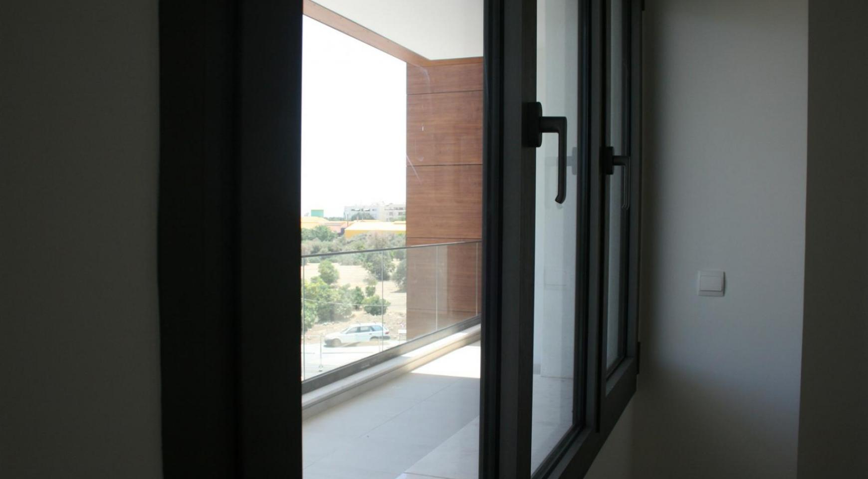 New Modern 3 Bedroom Apartment near the Sea - 43