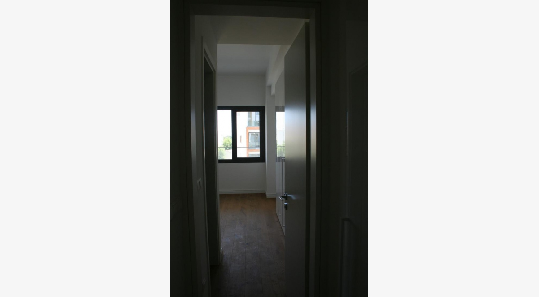 New Modern 3 Bedroom Apartment near the Sea - 35