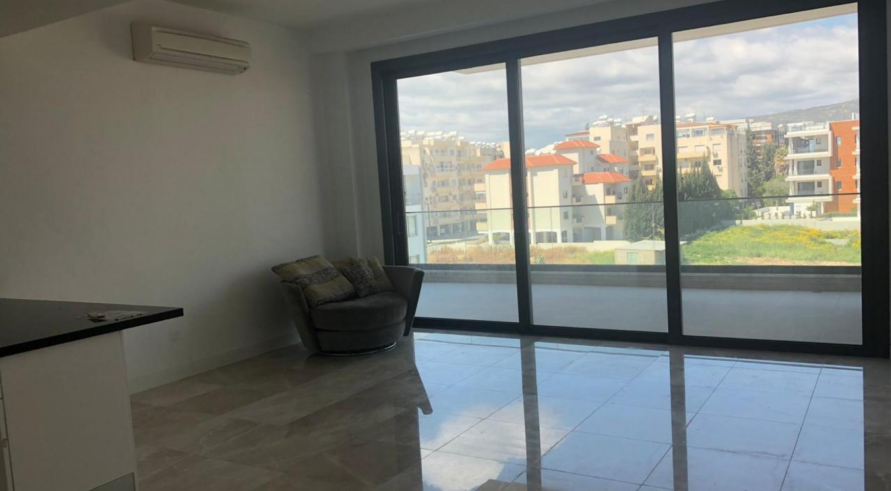 Contemporary 2 Bedroom Apartment in a New Complex near the Sea - 7