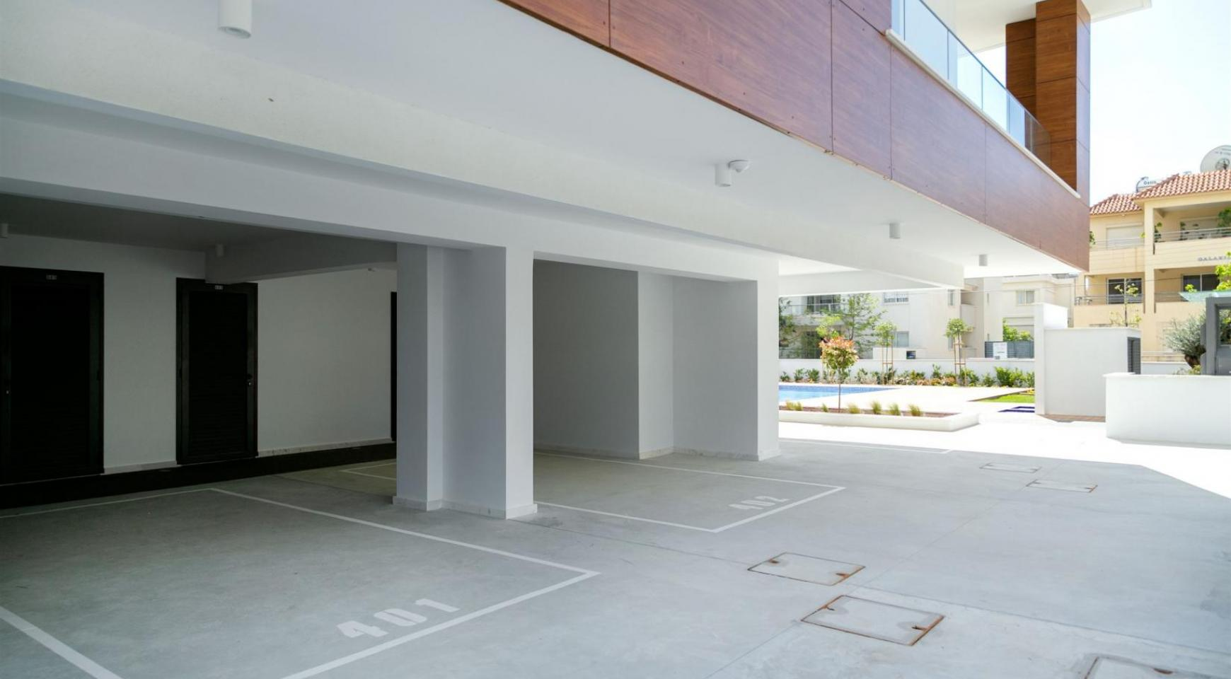 Malibu Residence. Modern 2 Bedroom Apartment 301 within a New Gated Complex - 12