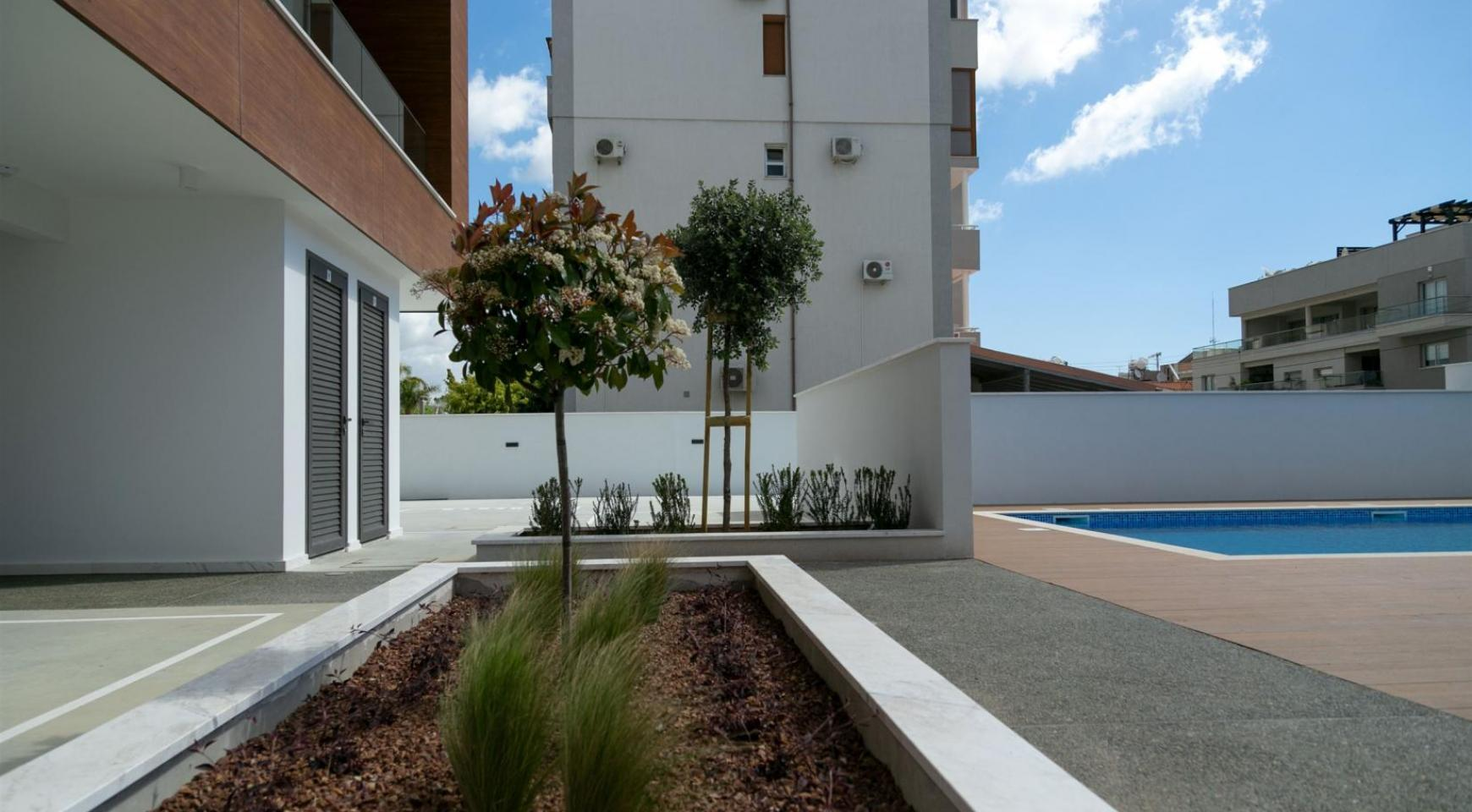 Malibu Residence. Modern 2 Bedroom Apartment 301 within a New Gated Complex - 11