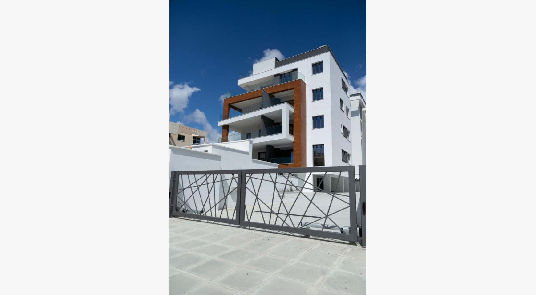 Malibu Residence. Contemporary 2 Bedroom Apartment 201 in Potamos Germasogeia - 8